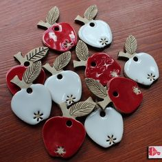 Ceramic Christmas Ornaments – Set of Apples … – # Apples … – Air Dry Clay Clay Christmas Decorations, Christmas Clay, Christmas Crafts, Christmas Ornaments, Fimo Clay, Polymer Clay Crafts, Ceramic Clay, Ceramics Projects, Clay Projects