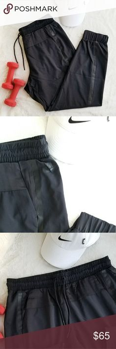 NWT Nike Sportswear Pant, Size L The Nike Sportswear Bonded Trousers are designed with a tapered fit for a modern look and a total comfort. Elastic waistband with drawcord for a snug fit. Two side pockets and small back pocket. Made from smooth, matte facric and silky accents. Black color. Size L. NWT Excellent Condition. Nike Pants Trousers