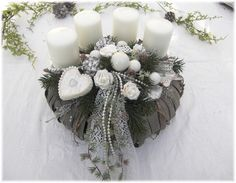 Adventskranz - Adventskranz Shabby - Chic - ein Designerstück von art-of-deco bei DaWanda Christmas And New Year, Winter Christmas, Christmas Time, Xmas, Christmas Advent Wreath, Christmas Crafts, Christmas Decorations, Holiday Decor, Art Floral Noel