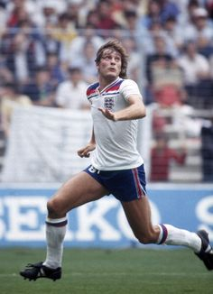 Football World Cup 1982 England v Czechoslovakia Glenn Hoddle England Football Players, World Football, Pure Football, England National Team, England International, Football Images, National Football Teams, Sport Fashion, World Cup