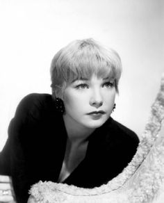 Shirley MacLaine, - via 2831 (via iamheathcliff) Hollywood Stars, Golden Age Of Hollywood, Vintage Hollywood, Classic Hollywood, Nostalgia, Shirley Maclaine, Classy Girl, Classic Films, Classic Beauty