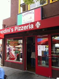 LITTLE ITALY SAN DIEGO - 2 huge slices of pizza and a draft beer for $8.50, YUM