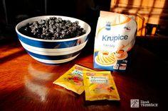 Lahodný sirup z aronie | Zámek Třebešice Cereal, Breakfast, Tableware, Kitchen, Food, Morning Coffee, Dinnerware, Cooking, Tablewares