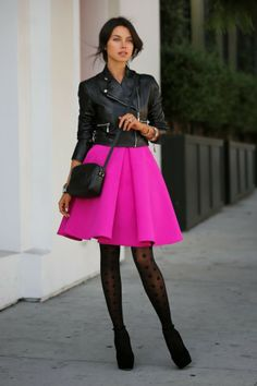 How To Wear Pink This Spring – Fashion Style Magazine - Page 2 Pink Skirt Outfits, Hot Pink Skirt, Neon Skirt, Pink Skirts, Pink Dress, Frilly Skirt, Flared Skirt, Dress Black, Estilo Fashion