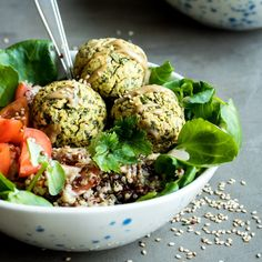 These mixed vegetable buddha bowls with tahini miso dressing will make you feel good from the inside out! Best Salad Recipes, Vegetarian Recipes Easy, Vegan Dinner Recipes, Vegan Dinners, Cooking Recipes, Healthy Recipes, Savoury Recipes, Healthy Salads, Quick Recipes