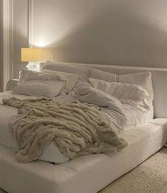 Room Design Bedroom, Room Ideas Bedroom, Home Room Design, Bedroom Decor, Bedroom Inspo, Dream Rooms, Dream Bedroom, Cozy Room, Aesthetic Bedroom