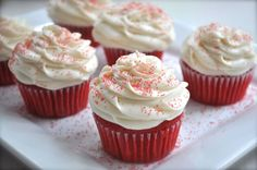 Phenomenal Red Velvet Cupcakes: this from scratch red velvet cake is so much better than a cake mix and well worth the few extra minutes of work! Cupcake Recipes, Baking Recipes, Cupcake Cakes, Dessert Recipes, Gourmet Cupcakes, Baby Cakes, Mini Cakes, Just Desserts, Delicious Desserts