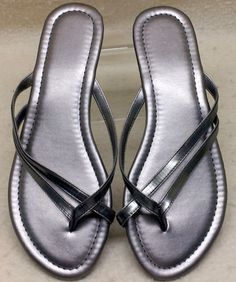 94578d1a79f BRAND NEW Silver Women s Size M 7 8 Low Wedge 1 1 4