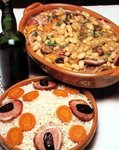 Feijoada do Alto Barroso (Trás-os-Montes e Alto Douro) - one of my favourite portuguese dishes Braised Steak And Onions, Feijoada Recipe, Gourmet Recipes, Cooking Recipes, Portuguese Recipes, Portuguese Food, Home Food, Savory Snacks, Food And Drink