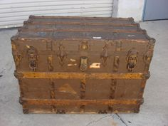 American Antique Steamer Trunk Chest . 1880-1890