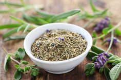 Classic Herbes de Provence Recipe - Food and Recipes - Mother Earth Living Homemade Spice Blends, Homemade Spices, Homemade Seasonings, Spice Mixes, Herb De Provence Recipe, Salad Kits, Herbs For Health, Fennel Seeds, Food Gifts