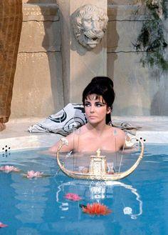 Cleopatra Elizabeth Taylor 1963 The Bath Scene.