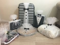 presents for men who have everything,presents for men diy Christmas presents for guys,leather gifts for men,bi Wedding Gift Baskets, Wedding Gift Wrapping, Wedding Gift Boxes, Creative Gift Wrapping, Wrapping Ideas, Mens Bday Gifts, Men Gifts, Diy Gifts For Christmas, Indian Wedding Gifts