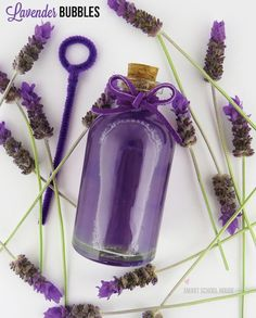 DIY Lavender Bubbles by Smart School House. This looks interesting and would be a good alternative to class bday treat instead of cupcakes, etc. Bubble Crafts, How To Make Bubbles, Lavender Crafts, Diy Gifts For Girlfriend, Lavender Fields, Crafts For Teens, Shades Of Purple, Creative Gifts, Diy Beauty