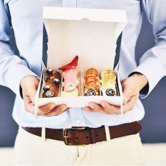 Eclairs, Louis Vuitton Speedy Bag, Bags, Fashion, Handbags, Moda, Fashion Styles, Fashion Illustrations, Bag