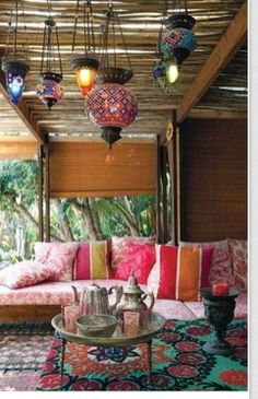 Moroccan style outdoor seating www.stylemummy.com