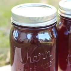 Easy recipe for canning old-fashioned homemade grape jelly. Learn how to make jelly like a pro! Soy Milk Nutrition, Grape Nutrition, Spinach Nutrition Facts, Cottage Cheese Nutrition, Pasta Nutrition, Cucumber Recipes, Jelly Recipes, Apple Recipes
