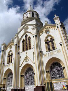 Iglesias, American, Building, Travel, Cartago, Wonderful Places, Countries, Viajes, Buildings