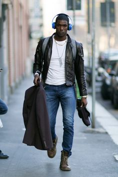 menstyled:  Ronald Epps -MMFW2014. (via mannequinmode)