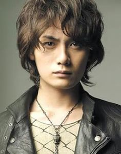 Kato Kazuki, from my Tenimyu fangirl days, is still one of the most beautiful men on the planet.  He seriously looks like he was scuplted out of marble. <3