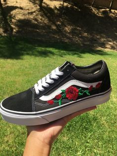 dbeeaa8c781 Image of Black Old Skool with Red Rose Rode Rozen, Zwarte Bestelwagens,  Rood,