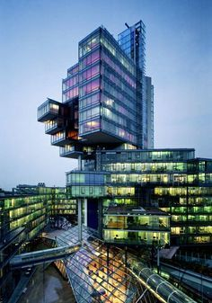 Norddeutsche Landesbank by Behnisch Architekten The building serves as an important linking element between the various activities which define the neighbouring quarters of the city: retail, commercial, residential, cultural, sport and leisure.