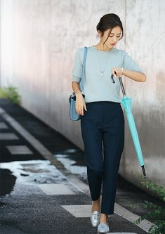 Pencil Skirt Outfits, Pencil Skirt Black, Pencil Skirts, College Outfits, Office Outfits, Casual Teacher Outfit, Office Fashion Women, Womens Fashion, Monday Outfit