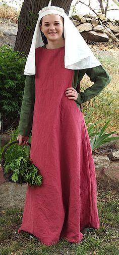 Sideless surcoat, Linen