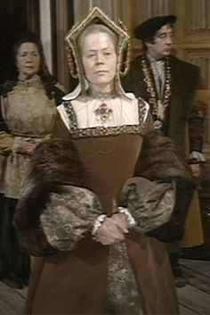 Isabella Of Castile, Wives Of Henry Viii, The Other Boleyn Girl, Tudor Fashion, Catherine Of Aragon, Spanish Actress, Shakespeare Plays, Queen Of England, Tudor History