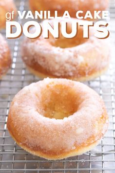 gluten free breakfasts These gluten free vanilla cake donuts are soft, moist and tender, and bake up in minutes. Theyre basically the perfect vanilla donut. Vanilla Donut Recipes, Gluten Free Vanilla Cake, Gluten Free Sweets, Gluten Free Cakes, Gluten Free Baking, Gluten Free Pastry, Gluten Free Doughnuts, Gluten Free Donut Recipe Baked, Donuts Donuts