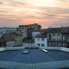 Sunset over the place #bordeaux #bordeauxmaville #bdxlive  #wu_bordeaux #igersgironde #instagood  #ig_nizza #ig_europe #ig_worlclub #ig_travel #igersfrance #ig_france #ig_captures #france_focus_on #nelleaquitaine_focus_on