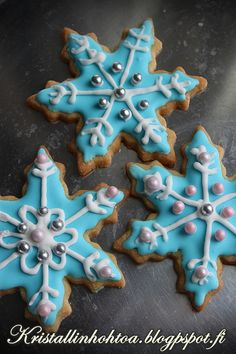 Cookie Decorating, Christmas Cookies, Gingerbread, Birthday Parties, Frozen, Christmas Decorations, Fancy, Baking, Desserts