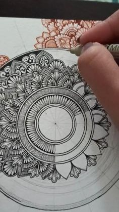 Mandala Doodle, Mandala Art Lesson, Mandala Artwork, Easy Mandala Drawing, Mandala Sketch, Watercolor Mandala, Mandala Canvas, Mandala Tattoo, Mandala Design