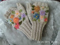 Ravelry: bearsaunty's Flower Mitts 7