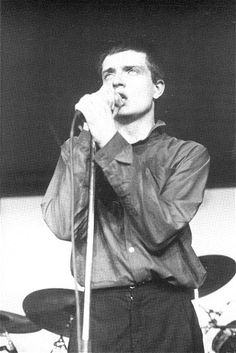 Photos of Joy Division and of their 'associates' : Ian Curtis Joy Division, Division Games, Ian Curtis, Natalie Curtis, El Rock And Roll, Disco Funk, Robert Smith, New Romantics, Gothic Rock