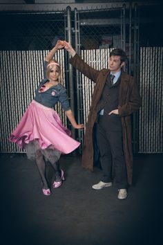 The Doctor and Rose cosplay.