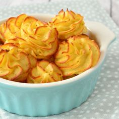 Zelf pommes duchesse maken (Laura's Bakery) I Love Food, Good Food, Yummy Food, Potato Dishes, Food Dishes, Bakery Recipes, Cooking Recipes, Lunch Recipes, How To Cook Potatoes