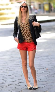 Look – Onça + Vermelho! - Dolce Moda | Moda It Look Fashion, Womens Fashion, Fashion Trends, Beautiful Outfits, Cool Outfits, Look Short, Dress Vestidos, Work Looks, Summer Looks
