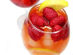 25 Flat Belly Sassy Water Recipes - Ditch sugary flavored water and soda for these easy tasty blends