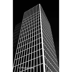 Reposting Let's start todas with high motivation, energy and a building full of contrast.