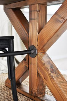 This easy to build Farmhouse Table is the perfect addition to any dining or breakfast room complete with industrial touches and a farmhouse style. One of my favorite parts of this DIY farmhouse table…More Easy Wood Furniture Projects For Your Weekend Diy Farmhouse Table, Rustic Table, Rustic Decor, Industrial Dining Tables, Rustic Design, Industrial Shelving, Industrial Style, French Industrial Decor, Modern Farmhouse