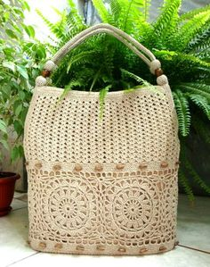 Pattern Crochet bag. Didn't see a pattern, 'cause I didn't want to sign up, but cool bag! Crochet Symbols, Crochet Patterns, Beautiful Bags, Straw Bag, Reusable Tote Bags, Bags, Crochet Pattern, Crochet Stitches, Knit Patterns