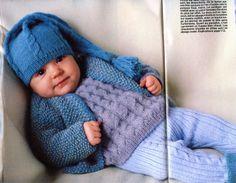 """100 idées N° 136 - février 1985 - Encart """"tout commence par un bébé"""" - Réalisation Catherine de Chabaneix - Photos Gilles de Chabaneix - Ensemble bleu - Ouvrage Catherine Leclec'h."""