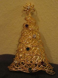 Christmas Tree Wrapped Gold Wire and Rhinestone Holiday Brooch Front View Tabletop Christmas Tree, Christmas Trees, Wire Crafts, Gold Wire, Wire Wrapping, Costume Jewelry, Vintage Christmas, Brooch, Holidays