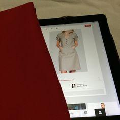 Mod 9: vestido beige con tela roja