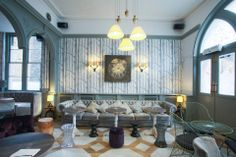 The Hollywood Arms in Chelsea - Chelsea gastro pubs Gastro Pubs, Bar Design Awards, Best Pubs, Chelsea London, Wood Wallpaper, Restaurant Bar, Interior Inspiration, Lounge, Hollywood