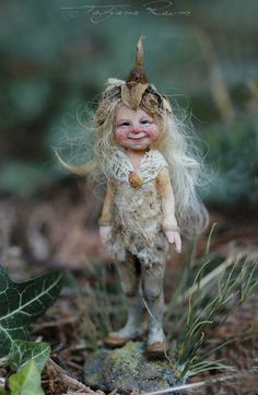 One of a kind miniature artdoll by Tatjana Raum by chopoli Woodland Creatures, Magical Creatures, Fantasy Creatures, Clay Fairies, Elves And Fairies, Baby Fairy, Love Fairy, Elfen Fantasy, Fantasy Art