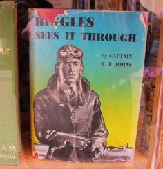 Biggles sees it through. Books To Read, My Books, Air Space, Books For Boys, Book Cover Art, Space Crafts, Authors, Planes, Ships