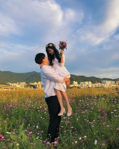 Find images and videos about love, cute and couple on We Heart It - the app to get lost in what you love. Korean Couple, Korean Girl, Asian Girl, Cute Couples Goals, Couple Goals, Korean Ulzzang, Uzzlang Girl, Ulzzang Couple, Couple Outfits