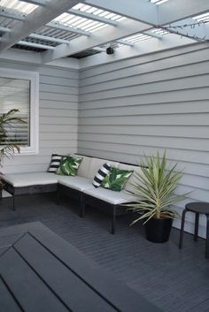 Trendy exterior paint colora for house weatherboard living rooms Ideas Exterior Design, Paint Colors For Home, House Exterior, Interior And Exterior, House Paint Exterior, House Painting, Hamptons House, Outdoor Rooms, Exterior House Colors